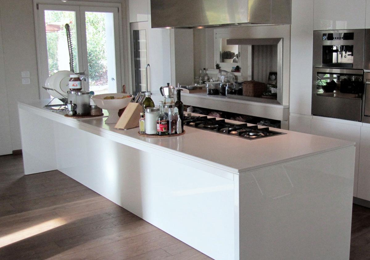 Piani di lavoro per cucine e bagni monolite ipergress - Piani da lavoro per cucine ...